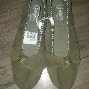 Size 11 Slip On Shoes Nwt